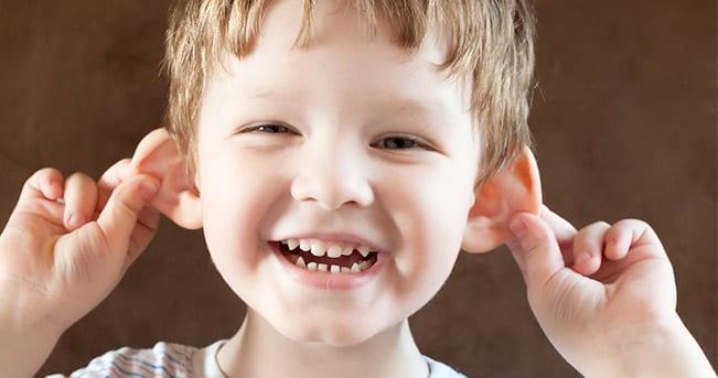 Operación de orejas. Otoplastia